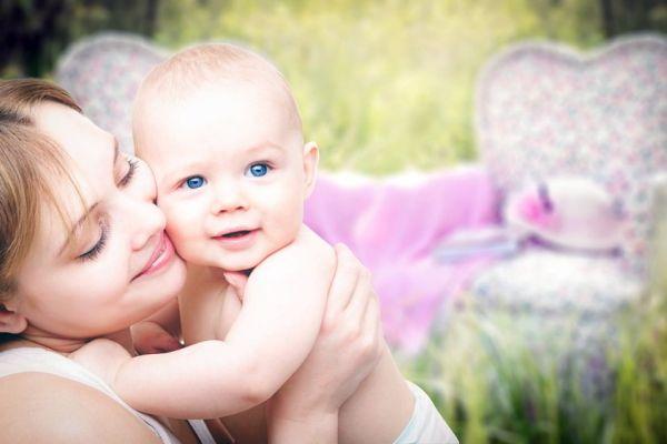 Kde se vzala tradice darování šperku k narození dítěte