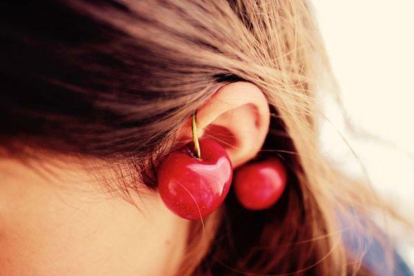 Propichování a nastřelování uší u dětí