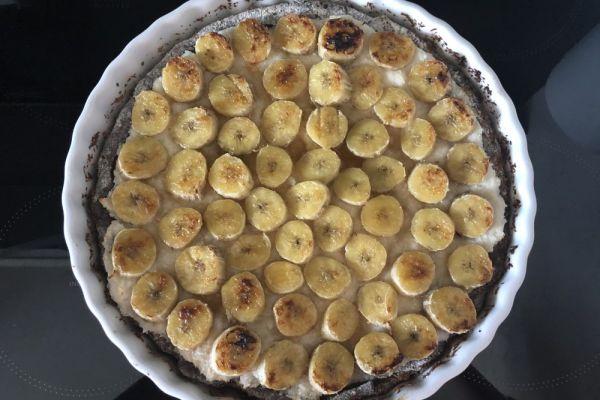 Recept na banánový koláč s kokosovým krémem a kakaovým korpusem