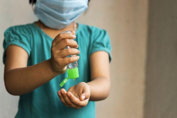 Koronavirus u dětí - příznaky a léčba